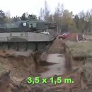 miniature pour Un tank traverse une tranchée à vitesse lente puis rapide