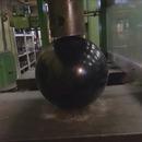 boule-bowling-vs-presse-hydraulique