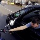 miniature pour Un motard illumine la journée d'un enfant