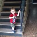 garcon-escaliers-prudence