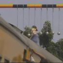 miniature pour Des boules en béton contre les fraudeurs du train en Indonésie