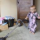 miniature pour Faire nettoyer la maison par son bébé