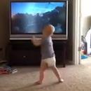 miniature pour Un bébé s'entraîne comme Rocky Balboa