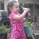 miniature pour Une petite fille découvre la pression de l'eau