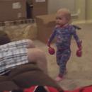 miniature pour Un bébé qui n'aime pas qu'on joue avec ses maracas