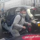miniature pour Un groupe de cyclistes grille un feu rouge à Londres