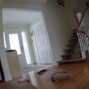 miniature pour Un robot aspirateur se suicide dans les escaliers