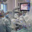 premier-robot-chirurgical-france-hopital-necker-tumeur