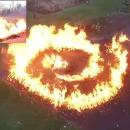 miniature pour Explosion de feu en spirale avec des feuilles mortes