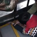 enfant-coince-main-escalator-chine