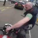 miniature pour Un cycliste vole les clés d'un motard et va le regretter