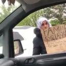femme-roumaine-passer-syrienne-mendier