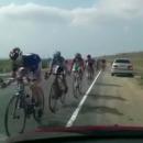 miniature pour Cycliste vs voiture stationnée