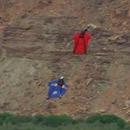 miniature pour Reprendre 76 mètres d'altitude en Wingsuit