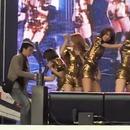 miniature pour Un homme kidnappe une chanteuse KPOP sur scène