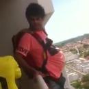 saut-balcon-parachute-internet