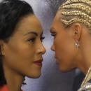 miniature pour La boxeuse Mikaela Lauren embrasse son adversaire Cecilia Braekhus