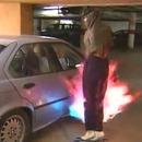 lance-flammes-proteger-voiture-contre-voleurs