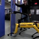 empecher-robot-porte-boston-dynamics