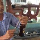 miniature pour Ouvrir une bière avec des baguettes japonaises, mauvaise idée
