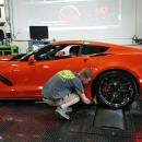 miniature pour Nettoyer le pneu d'une voiture sur le Dyno (Fail)