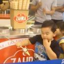 vendeur-glaces-rend-fou-petit-garcon