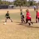 miniature pour Un jeune tire sur 3 garçons au ballon