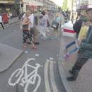 miniature pour Une corne de brume sur son vélo pour libérer la piste cyclable