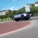 drift-rond-point-retourne-voiture