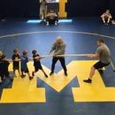 50-enfants-tir-corde-homme-muscle