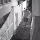 Des arroseurs avec capteur de mouvement pour empêcher les hommes de pisser dans son jardin
