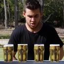 homme-4-pintes-biere-12-secondes