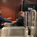 miniature pour 25 personnes fraudent le métro en même temps