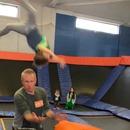 papa-ejecte-fils-trampoline