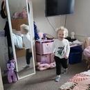 petite-fille-cherche-pere-chambre