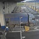 camion-peage-pneus