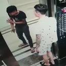 Une vitre trop grande pour être transportée par l'ascenseur