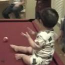 bebe-sait-jouer-billard