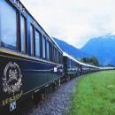 homme-deux-trains