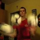 marek-born-jongle-avec-balles