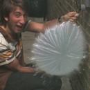 miniature pour Ballon d'eau qui explose au ralenti