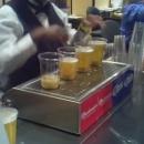verres-de-biere-qui-se-remplissent-par-le-bas
