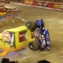 miniature pour Backflip en Monster Truck