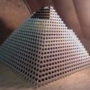 presque-plus-grande-pyramide-dominos