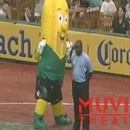 mascotte-banane-remise-place