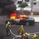 miniature pour Une voiture explose sur un pompier