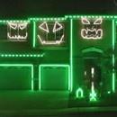 miniature pour LMFAO illumine une maison pour Halloween