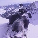 miniature pour Un grand chanceux du moto neige en hors piste