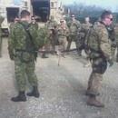 miniature pour Epreuve de force entre un soldat canadien et américain
