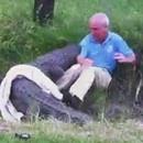 crocodile-attaque-homme